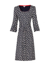 Load image into Gallery viewer, Print 3/4 Sleeve Shift Dress, Black Leafy