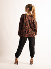 Load image into Gallery viewer, 3/4 Sleeve Loose Fitting Jumper, Burgundy/ Rusty Zebra