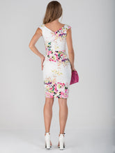 Load image into Gallery viewer, Floral Print Ruched Wiggle Dress