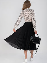 Load image into Gallery viewer, Pleated Full Circle Midi Skirt