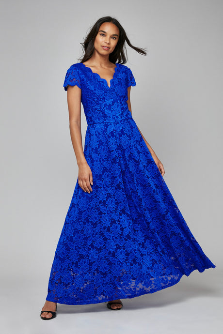 Scallop V-Neck Lace Maxi Bridesmaid Dress