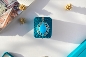 Luminescent blue pendant
