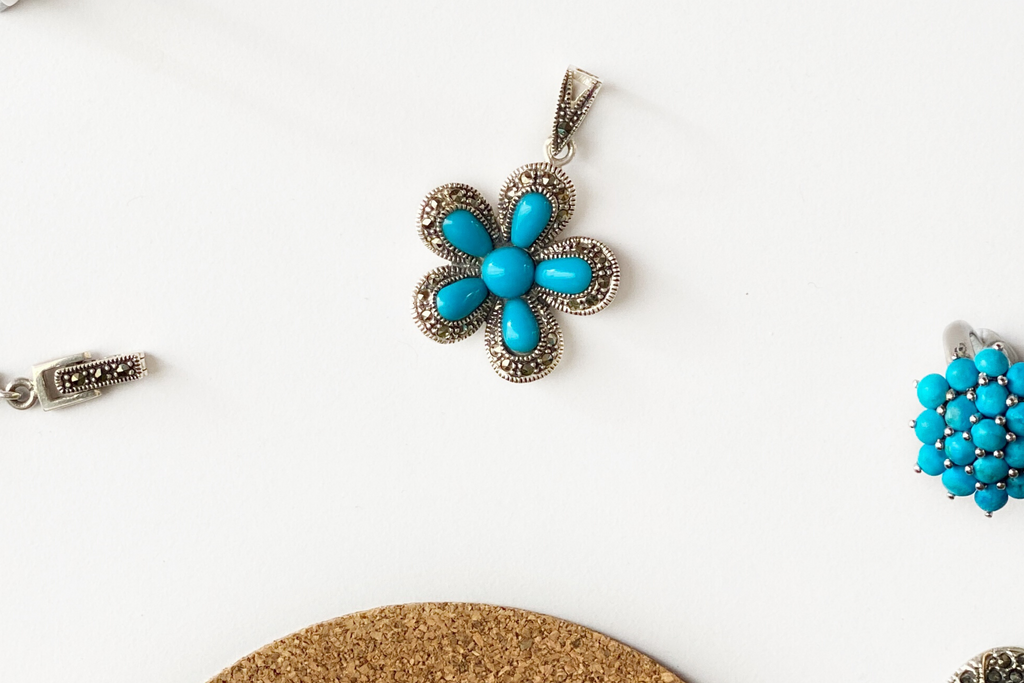 Flower burst pendant