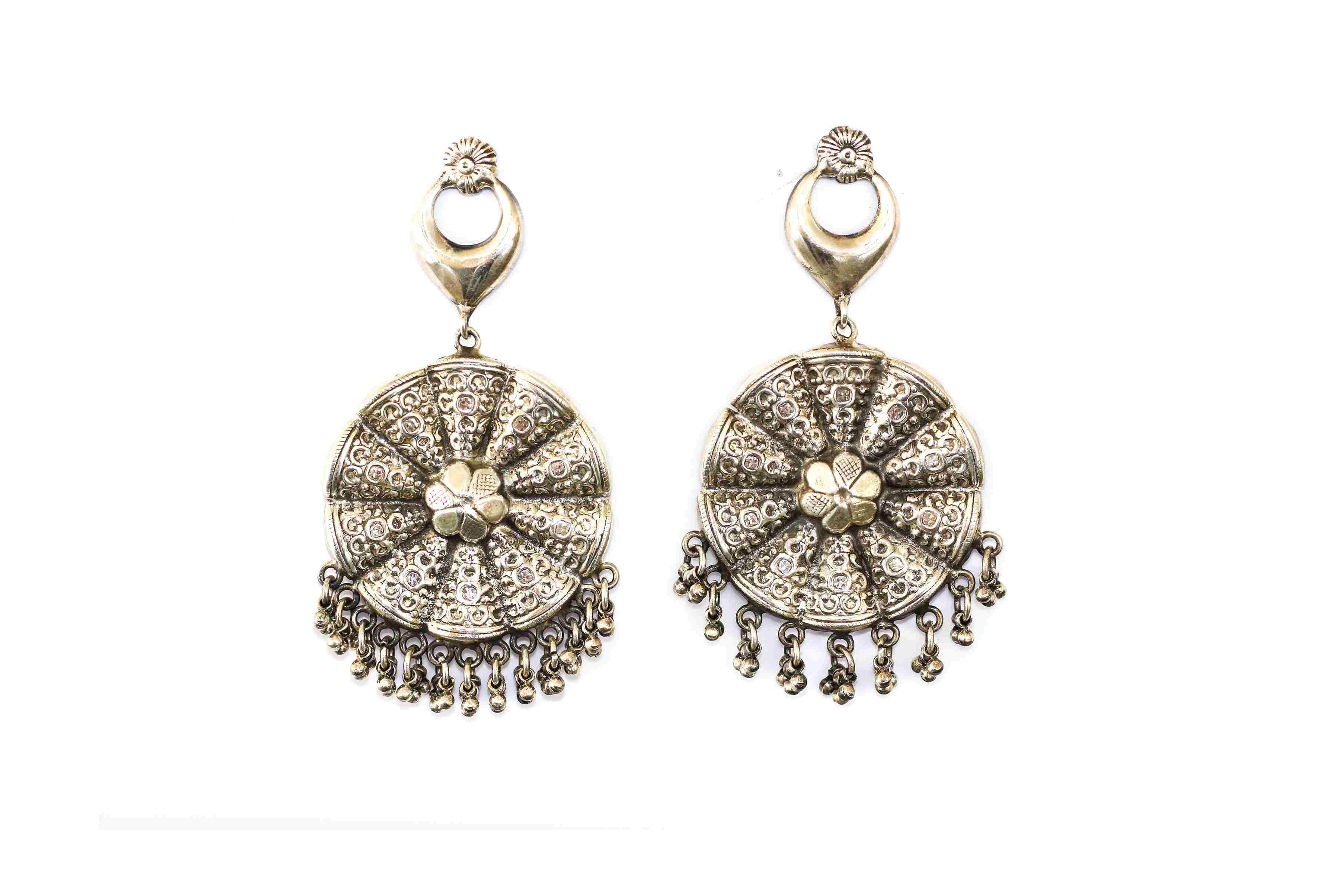 Embossed earing traditional 2