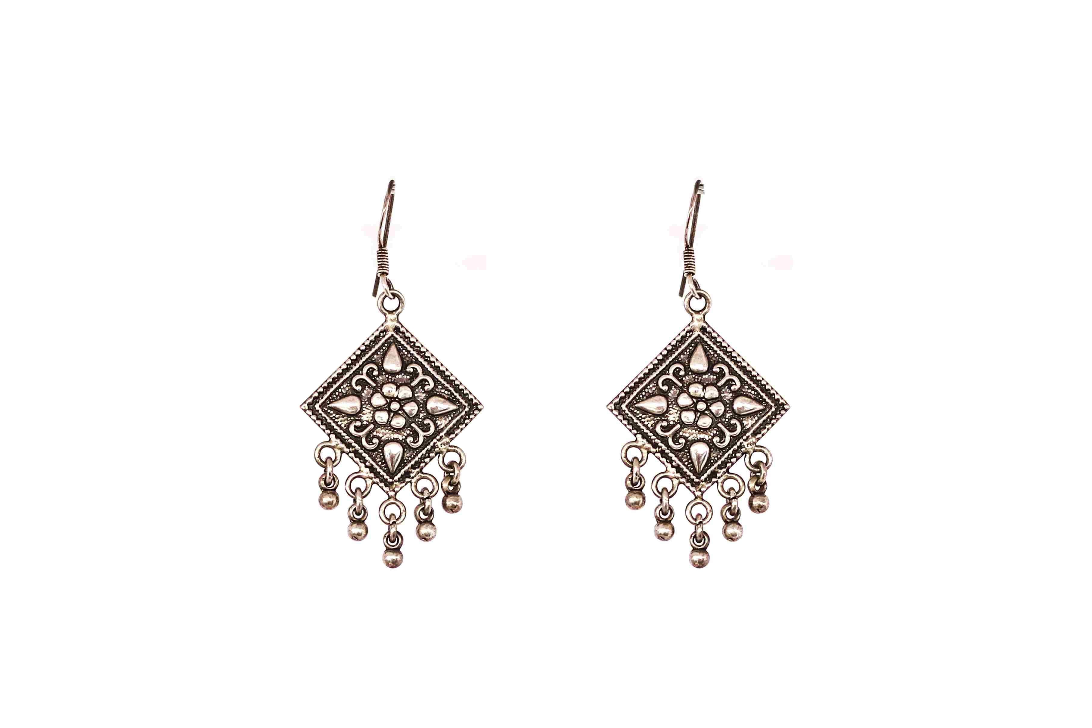 Embossed earing traditional 6