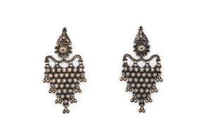 Embossed earing traditional 3