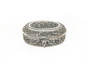 Beautiful embossed handcrafted silver box 2