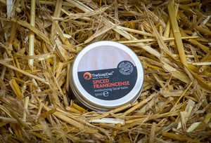 Spicy, aromatic and warming. Full of skin loving vitamins to leave your face suitably moisturised.