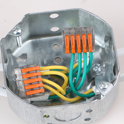 Universal Compact Wiring Connector