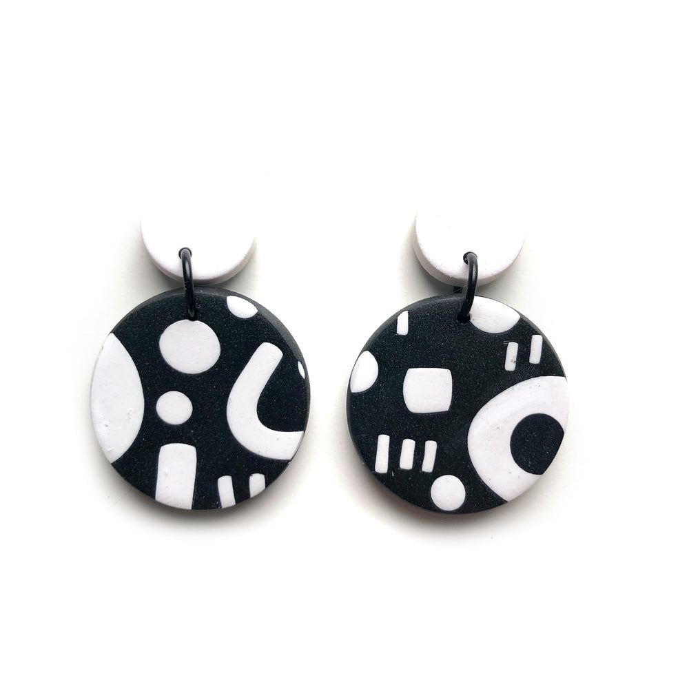 Signature Monochrome Small Circle Drop Earrings