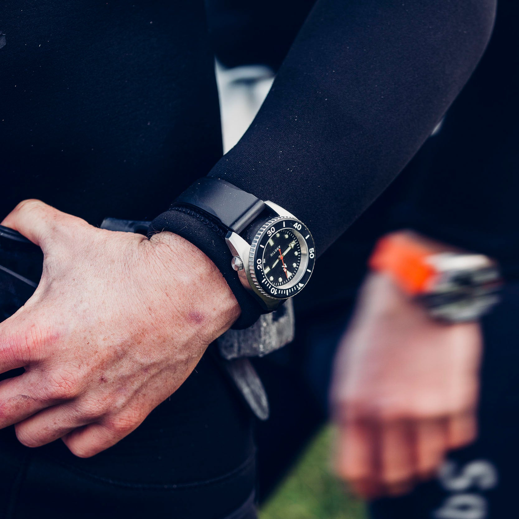 'Arctic' 500m Dive Watch (43mm) | Seal Black
