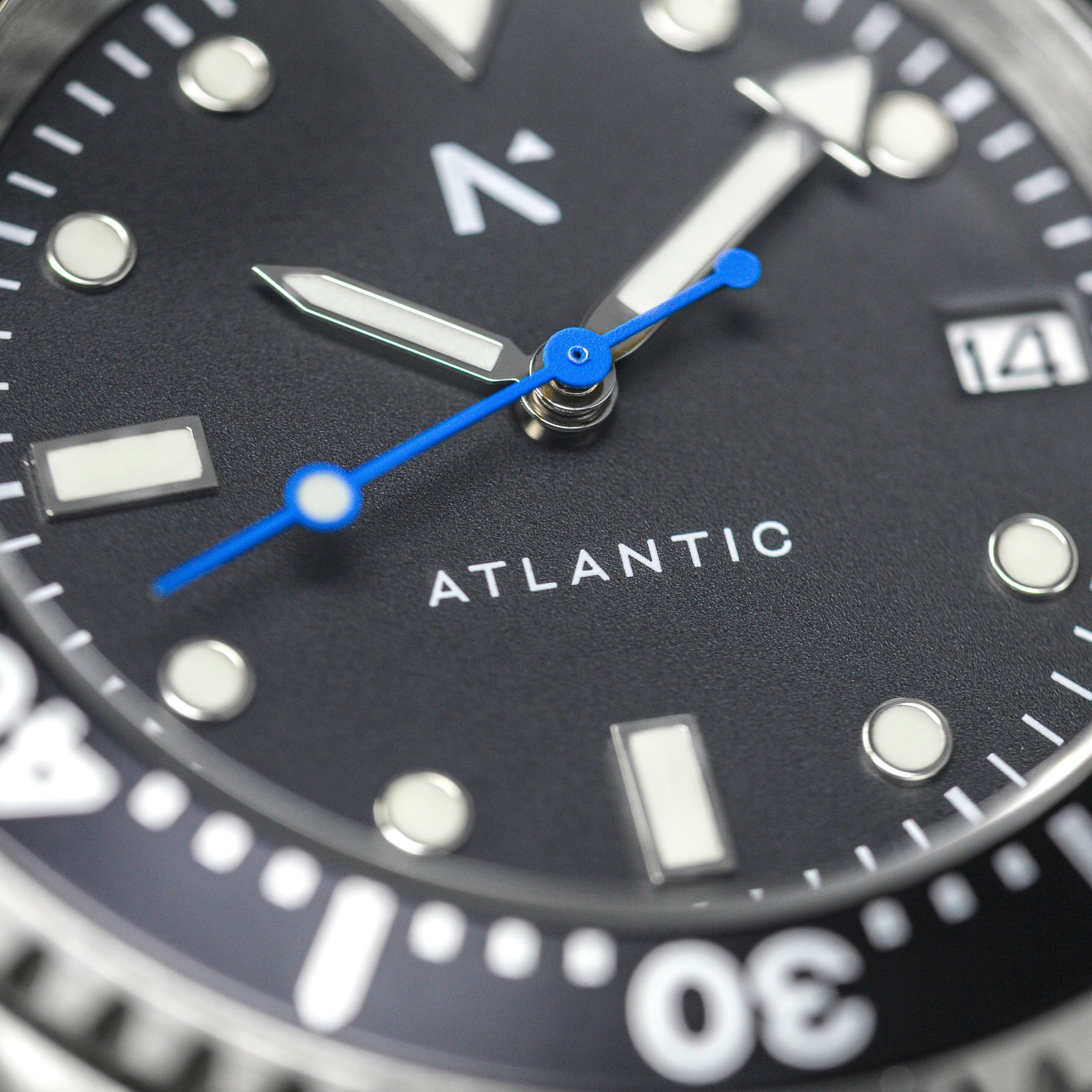 'Atlantic' Dive Watch (40mm) | Moss Green
