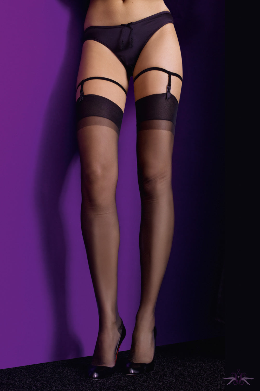 Maison close 39 les fetiches 39 les suspenders mayfair stockings for Maison close