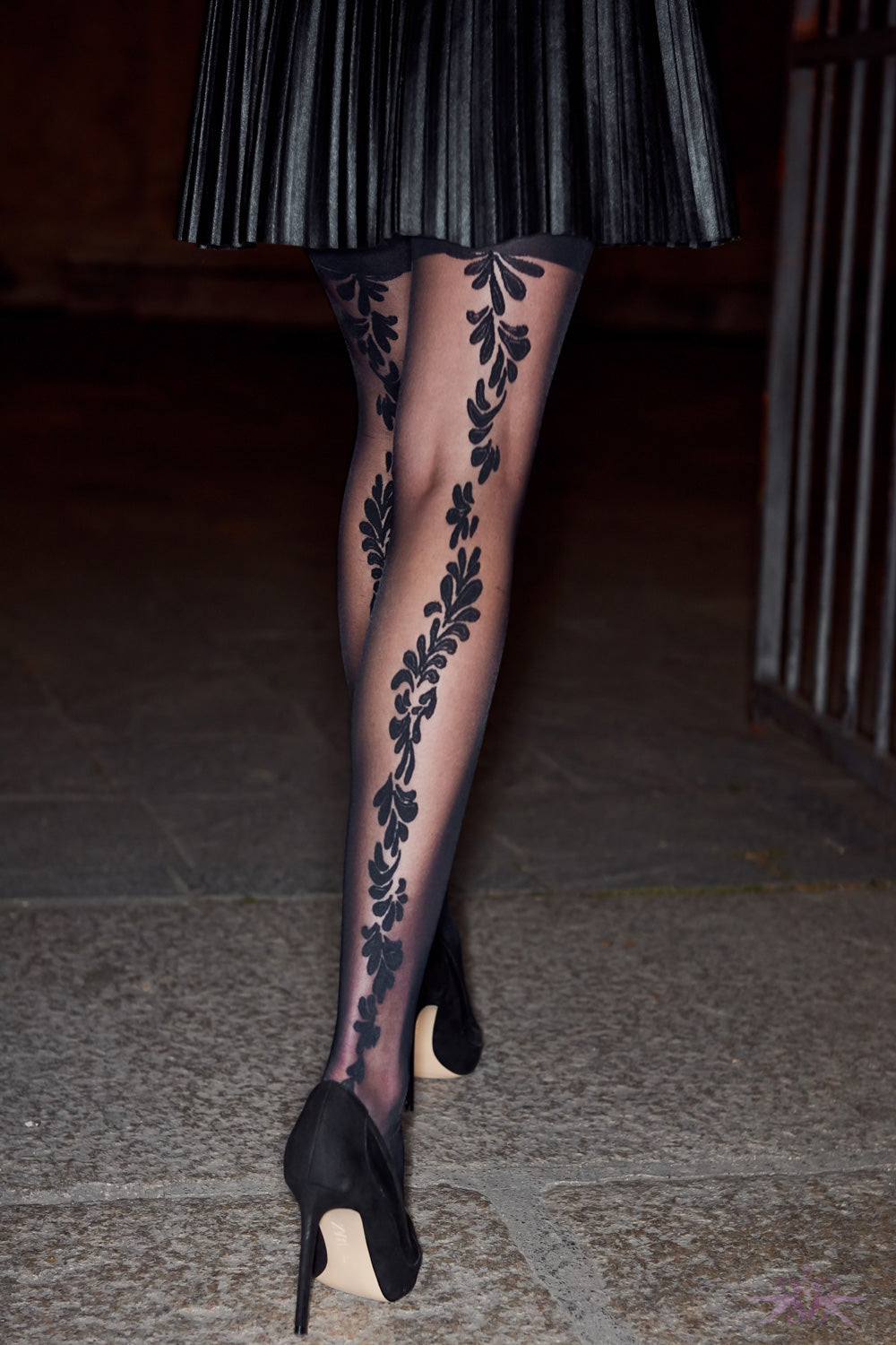 Oroblu Back Flower Seamed Tights