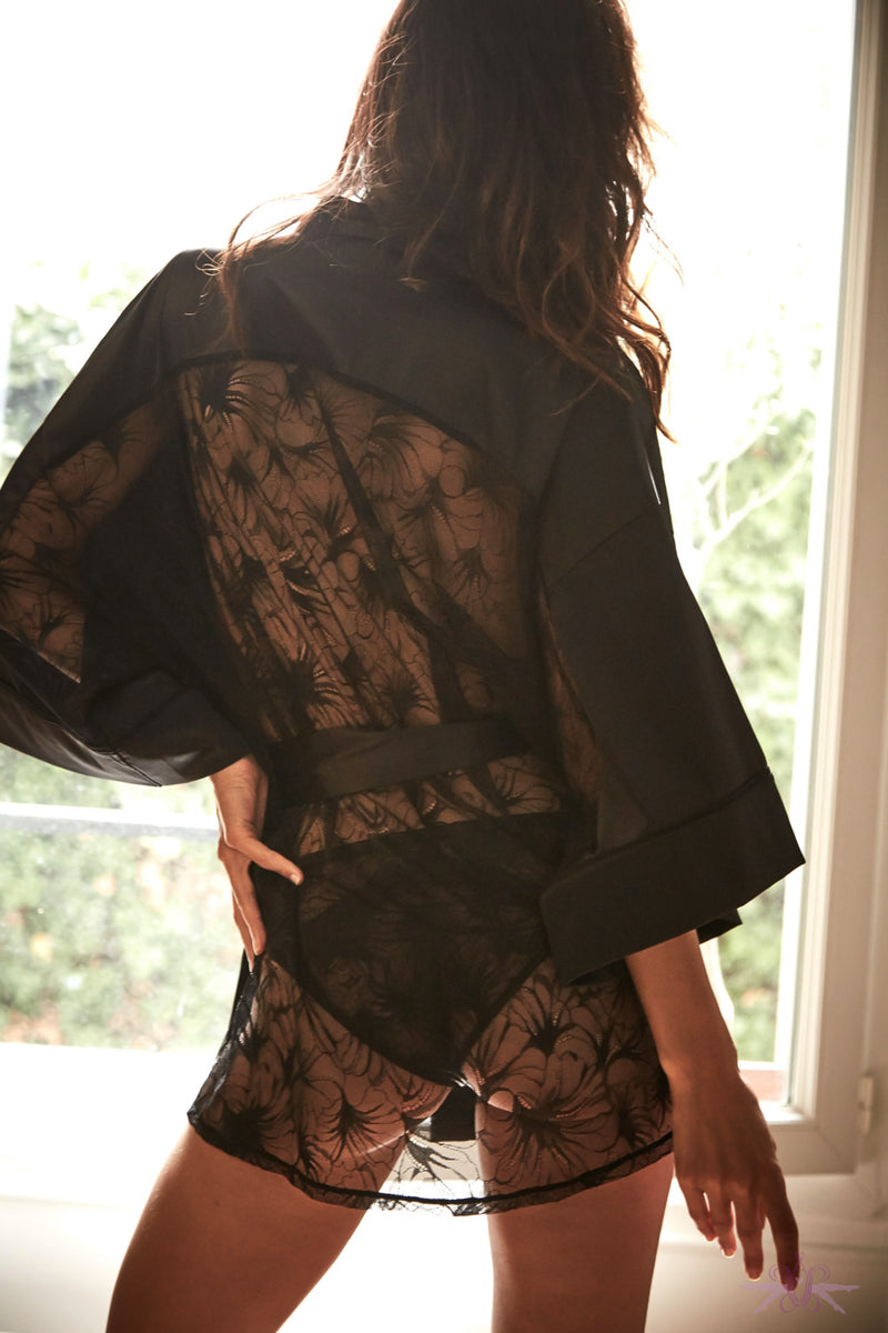 Atelier Amour Night on Broadway Lace Kimono