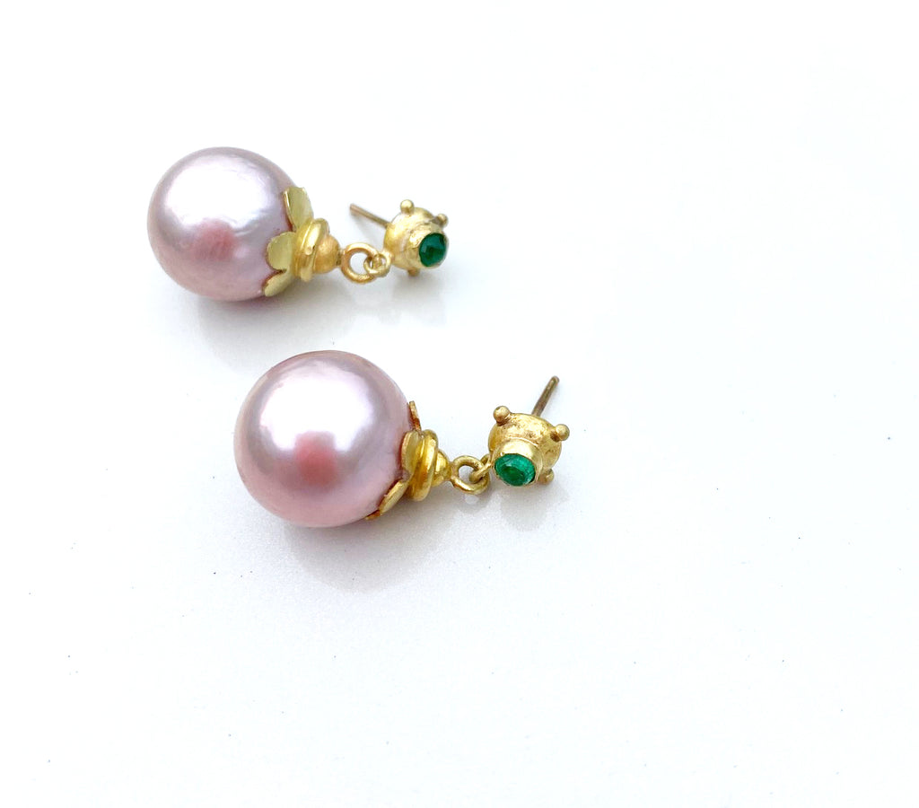 Pink pearl and emerald earrings