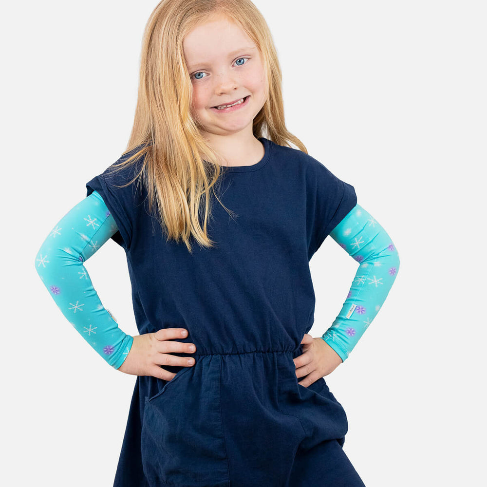 Sun protective sleeves for children - Snowflakes design