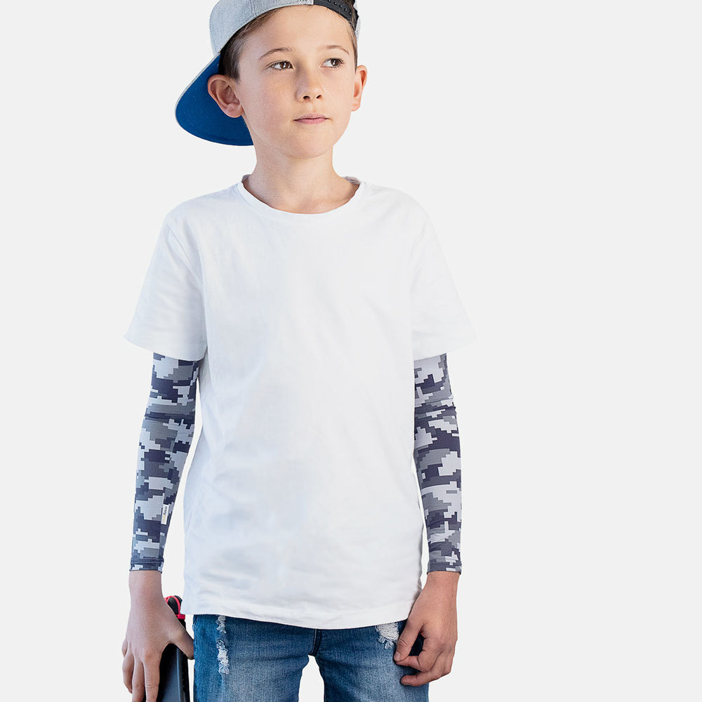Sun protective sleeves for children - Techno design