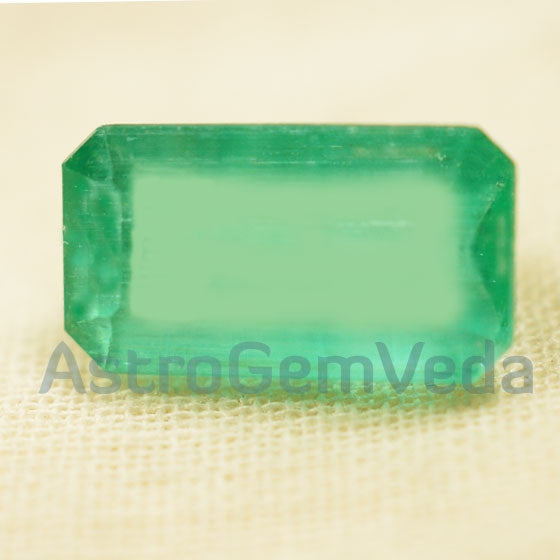 Natural Colombian Emerald Prime(3 -  5 Carat)