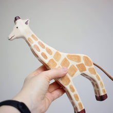 Load image into Gallery viewer, Holztiger giraffe scale