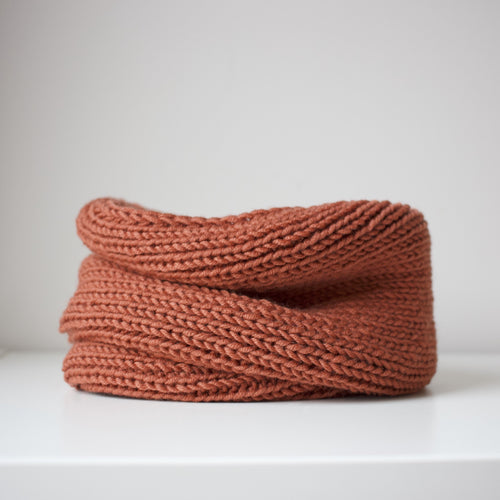 Toddler snood in rust