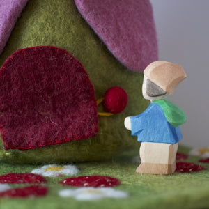 Papoose - House - Strawberry With Mat with decorative figure