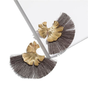Stunning Susan Earrings - Grey - Earrings