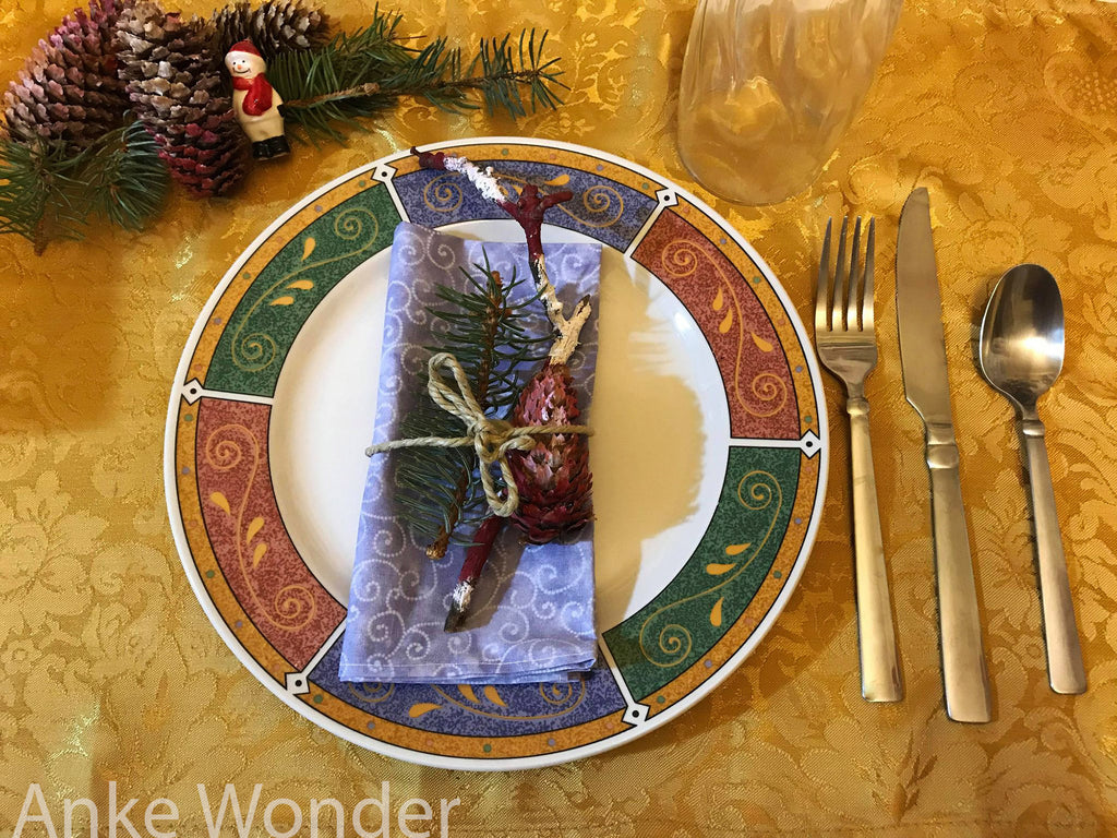 Handmade and handpainted Christmas Table decoration by Anke Wonder.