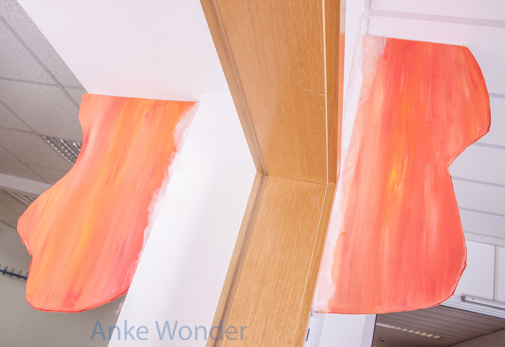 """Orange object of the project """"Rooms and between rooms"""" by Anke Wonder."""