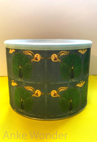 Round metal box with plastic lid Peacock-Bird Design - Anke Wonder