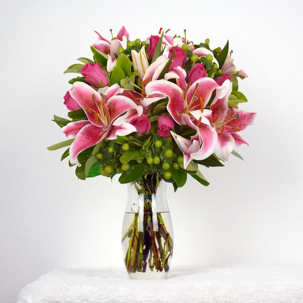 Hot Pink Bouquet Simple Me! (30 Stems per Bouquet Pack 1 units) - Bloomsfully Wholesale Flowers