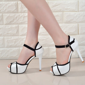 hollow buckle women's shoes