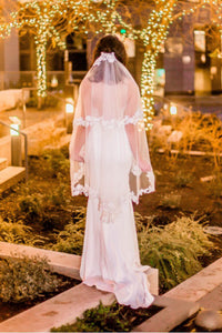 Lace Edge Short Wedding Veil with Comb Two Layers
