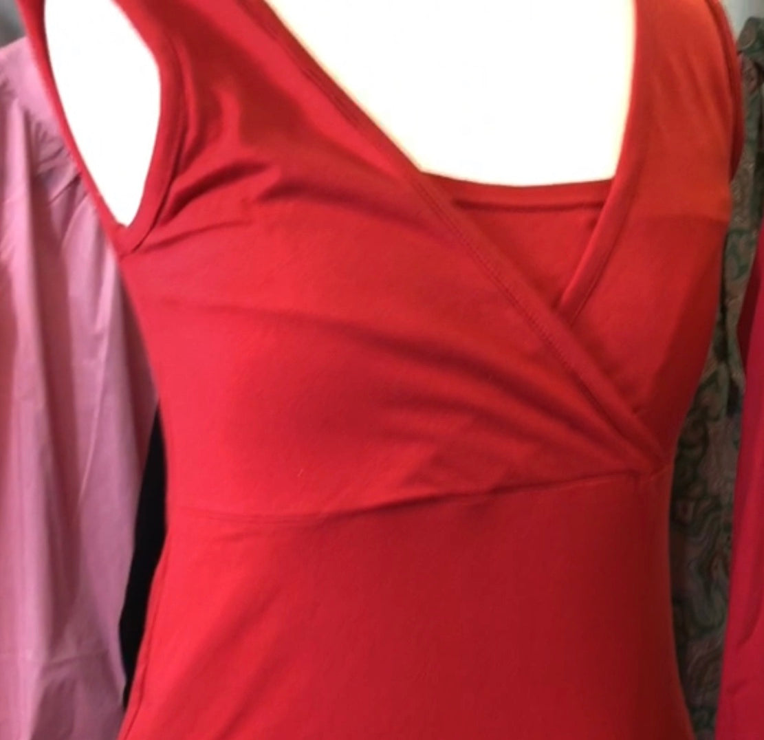 Red nursing vest top www.fashionablypregnant.co.uk
