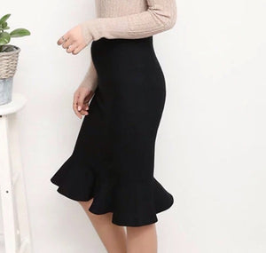 Fashionably_Pregnant_Peplum_Mermaid_Fishtail_Black_Maternity_Skirt
