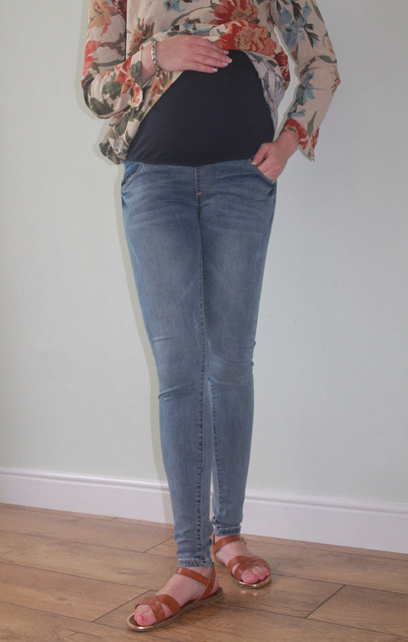 Fashionably_Pregnant_Maternity_faded_over_the_bump_skinny_denim_jeans_blue