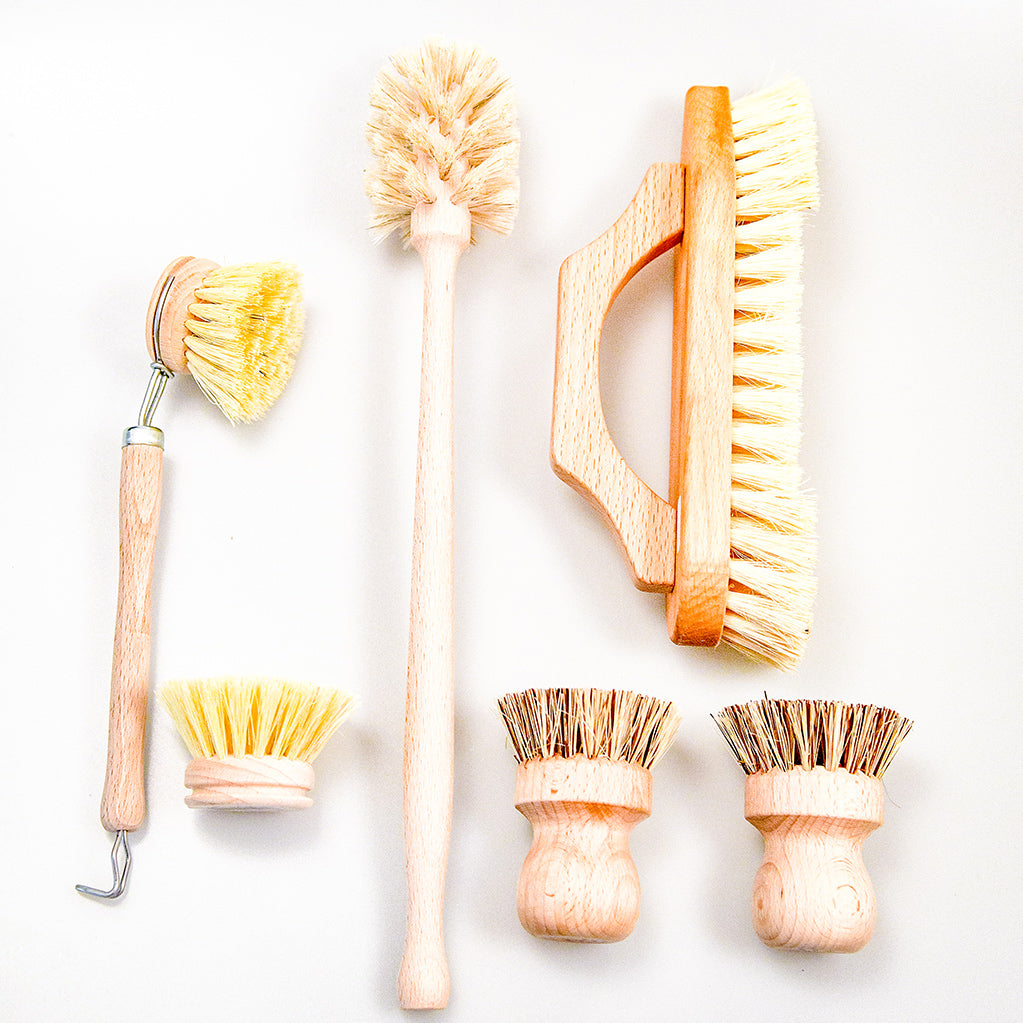 Wooden cleaning kit