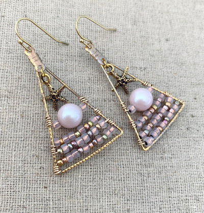 Geometric Dreamy Pearl Earrings