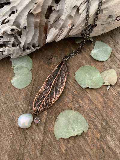 Rustic Pearl Leaf Necklace