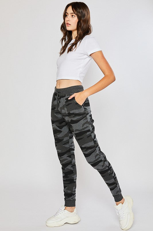 Sneak Attack Joggers in Charcoal Camo