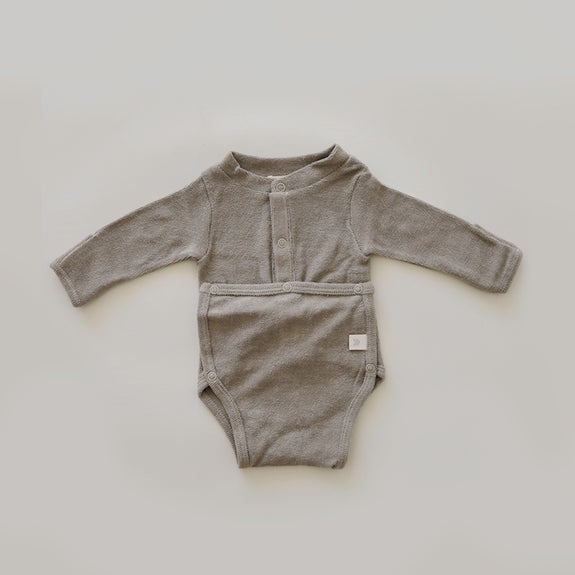 Front flap Onesie | Taupe