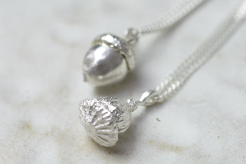 Memerial ash silver pendants by Cast & Found in the UK