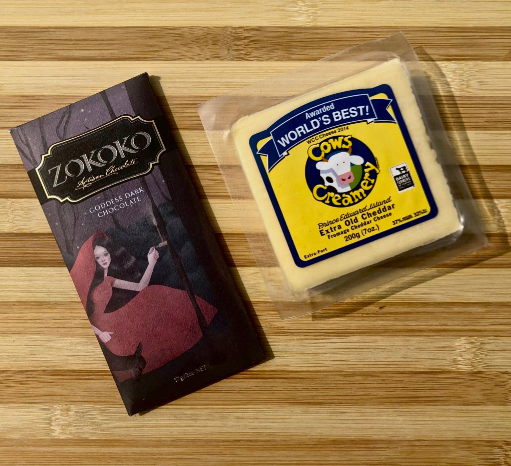 Cow's Creamery Extra Old Cheddar Cheese