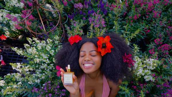 The Luminizing Body Oil in Golden Drip