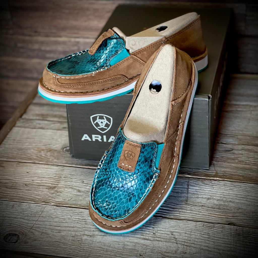Earth Suede / Turquoise Snake Ariat Cruiser