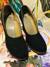 Load image into Gallery viewer, 1950s Black DelMan Deluxe High Pumps