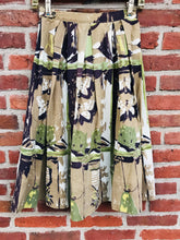 Load image into Gallery viewer, 1940s Pleated Butterfly Printed Circle Skirt