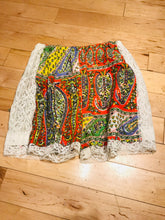 Load image into Gallery viewer, 1970s Paisley And Lace Booty Shorts