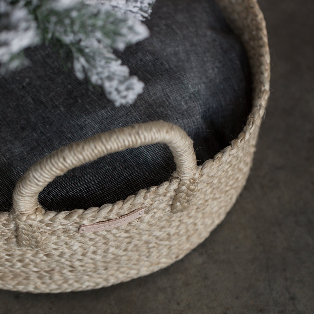 Basket Bed in Dark Gray Linen