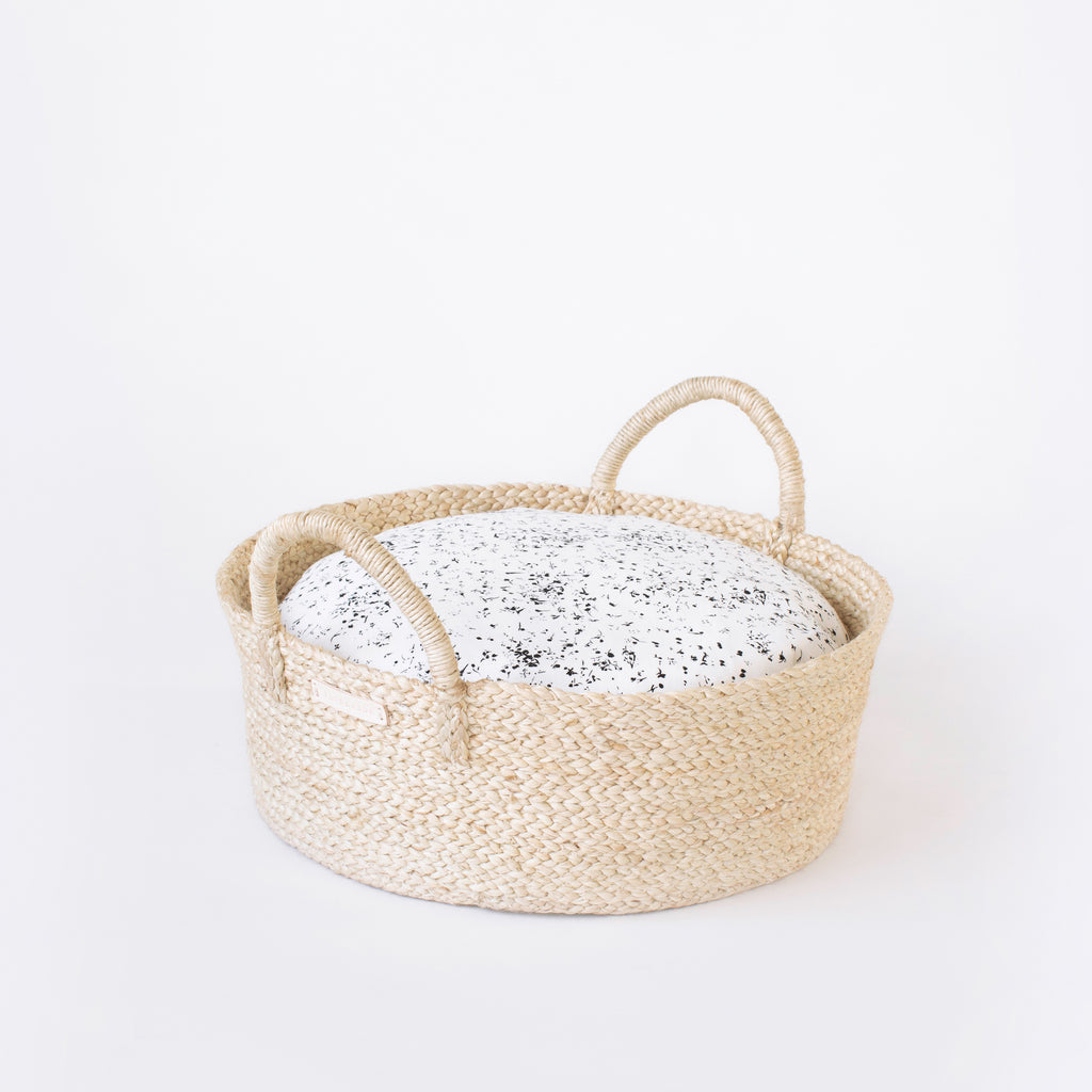 Faunamade basket pet bed for cats and small dogs modern and rustic jute in white